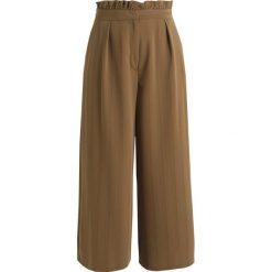 Spodnie z wysokim stanem: Topshop Petite FRILL WAIST Spodnie materiałowe khaki