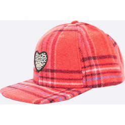 Femi Pleasure - Czapka LESGUA. Różowe czapki z daszkiem damskie Femi Stories, z materiału. W wyprzedaży za 89,90 zł.
