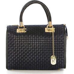 Torebki klasyczne damskie: Skórzana torebka w kolorze granatowym - 30 x 26 x 15 cm
