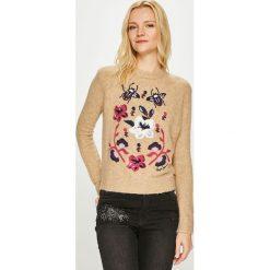 Pepe Jeans - Sweter Lali. Różowe swetry klasyczne damskie Pepe Jeans, l, z dzianiny, z okrągłym kołnierzem. Za 319,90 zł.