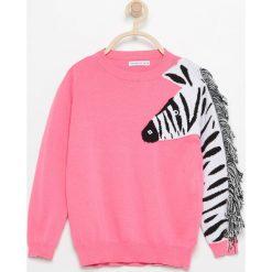Swetry klasyczne damskie: Sweter z zebrą – Różowy