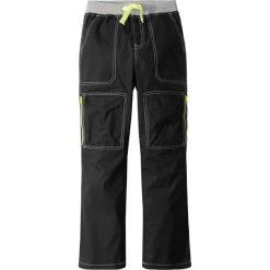 Spodnie bojówki, mocne i szybko schnące bonprix czarny. Szare spodnie chłopięce marki bonprix, melanż, z dresówki. Za 37,99 zł.