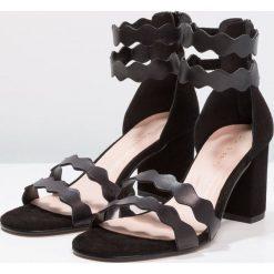Rzymianki damskie: mint&berry Sandały black