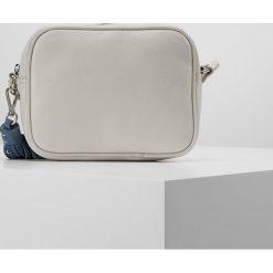 Mint Velvet LAYLA POP TASSEL CAMERA BAG Torba na ramię stone. Szare torebki klasyczne damskie Mint Velvet. W wyprzedaży za 431,20 zł.