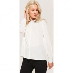 Koszula z aplikacją - Kremowy. Niebieskie koszule damskie marki House, m. Za 89,99 zł.