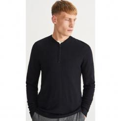 Sweter ze stójką - Czarny. Szare swetry klasyczne męskie marki bonprix, l, melanż. Za 119,99 zł.