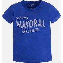 Mayoral - T-shirt dziecięcy 92-134 cm. Niebieskie t-shirty chłopięce z nadrukiem Mayoral, z bawełny, z okrągłym kołnierzem. Za 44,90 zł.