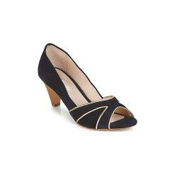 Czółenka Betty London  IMAMA. Niebieskie buty ślubne damskie Betty London. Za 251,30 zł.