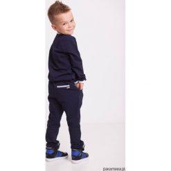 Dresy chłopięce: Spodnie dresowe eleganckie granatowe