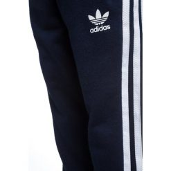Adidas Originals CREW Bluza collegiate navy/white. Czerwone bluzy chłopięce marki adidas Originals, z bawełny. Za 249,00 zł.