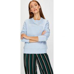 Calvin Klein Jeans - Bluza. Szare bluzy z nadrukiem damskie marki Calvin Klein Jeans, l, z bawełny, bez kaptura. Za 359,90 zł.