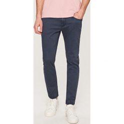 Rurki męskie: Denimowe spodnie slim fit – Szary