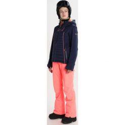Roxy TRACER Kurtka snowboardowa peacoat. Białe kurtki sportowe damskie marki Roxy, l, z nadrukiem, z materiału. W wyprzedaży za 1041,75 zł.