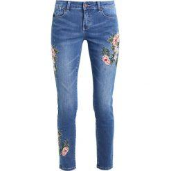 Cartoon Jeansy Slim Fit middle/blue/denim. Niebieskie jeansy damskie Cartoon. Za 379,00 zł.
