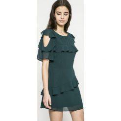 Answear - Sukienka. Szare sukienki mini marki ANSWEAR, na co dzień, l, z elastanu, casualowe, z okrągłym kołnierzem, z krótkim rękawem, proste. W wyprzedaży za 89,90 zł.