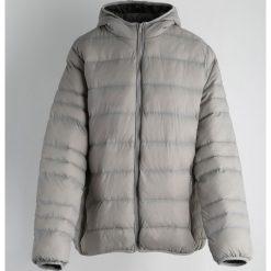 Szara Kurtka Punisher. Czarne kurtki męskie pikowane marki Born2be, l, z aplikacjami, z dresówki. Za 74,99 zł.
