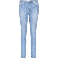 """Dzinsy """"Antonia"""" - Skinny fit - w kolorze błękitnym. Boyfriendy damskie Rosner, z aplikacjami. W wyprzedaży za 173,95 zł."""