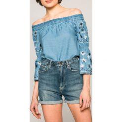 Pepe Jeans - Szorty Betty. Szare szorty jeansowe damskie Pepe Jeans, casualowe, z podwyższonym stanem. W wyprzedaży za 199,90 zł.