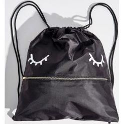 Plecak worek z zamkiem - Czarny. Czarne plecaki damskie Sinsay. W wyprzedaży za 29,99 zł.