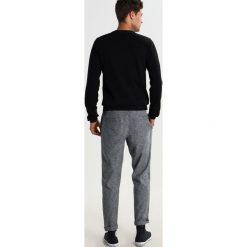 Swetry klasyczne męskie: Kaporal TAVEL Sweter black