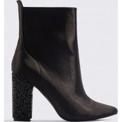 Botki damskie lity: NA-KD Shoes Błyszczące botki - Black