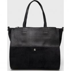 Answear - Torebka. Czarne torebki klasyczne damskie marki ANSWEAR, w paski, z materiału, duże. Za 129,90 zł.