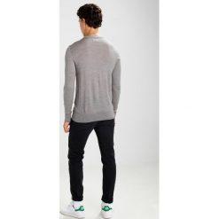 Swetry klasyczne męskie: AllSaints MODE CREW Sweter putty grey marl