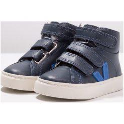 Veja ESPLAR MID Tenisówki i Trampki wysokie nautico indigo. Niebieskie buty sportowe chłopięce marki Veja, z futra. Za 459,00 zł.