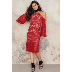 Sukienki hiszpanki: Bardot Sukienka midi Mila Lace – Red