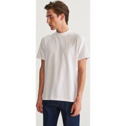 T-shirt - Biały. Białe t-shirty męskie Reserved, l. Za 49,99 zł.