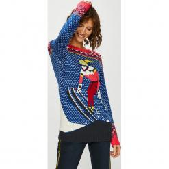 Medicine - Sweter XMASS. Szare swetry klasyczne damskie MEDICINE, l, z bawełny, z okrągłym kołnierzem. Za 99,90 zł.
