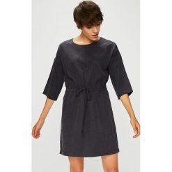 Medicine - Sukienka Royal Purple. Szare sukienki mini marki MEDICINE, z materiału. Za 159,90 zł.