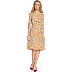 Rozkloszowana Sukienka Midi w Kwiatowy Nadruk - Miodowa. Szare sukienki marki Mohito, l, z asymetrycznym kołnierzem. Za 149,90 zł.