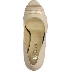 CZÓŁENKA KORDA 1303. Brązowe buty ślubne damskie Casu, na koturnie. Za 209,99 zł.