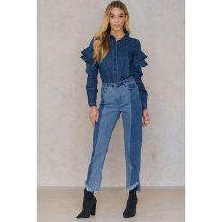 Qontrast X NA-KD Jeansowa koszula z falbankami - Blue. Niebieskie koszule jeansowe damskie Qontrast x NA-KD, z falbankami, z długim rękawem. W wyprzedaży za 101,48 zł.