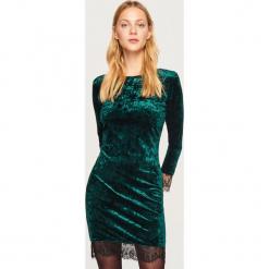 Aksamitna sukienka - Khaki. Brązowe sukienki Reserved. Za 99,99 zł.