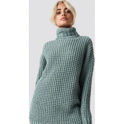NA-KD Trend Gruby sweter oversize - Green. Zielone golfy damskie NA-KD Trend, z dzianiny. Za 161,95 zł.