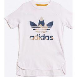 Adidas Originals - T-shirt dziecięcy 110-176 cm. Szare t-shirty chłopięce z nadrukiem adidas Originals, z bawełny, z okrągłym kołnierzem. W wyprzedaży za 89,90 zł.