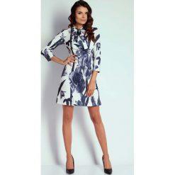 Kwiatowa Wizytowa Taliowana Sukienka z Wiązaniem. Czarne sukienki koktajlowe marki bonprix, do pracy, w paski, moda ciążowa. W wyprzedaży za 102,21 zł.