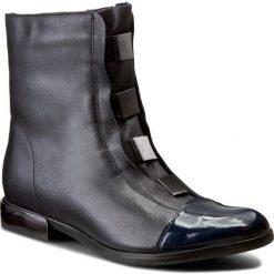 Botki CARINII - B2866 Granat D59-C96-POL-A18. Niebieskie buty zimowe damskie Carinii, ze skóry. W wyprzedaży za 269,00 zł.
