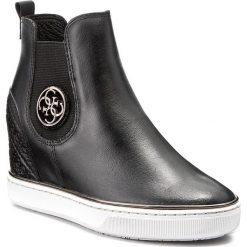 Botki GUESS - Freda FLFRE3 LEA12 BLACK. Czarne botki damskie skórzane marki Guess. W wyprzedaży za 339,00 zł.