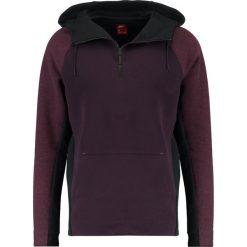 Nike Sportswear TECH Bluza z kapturem port wine/port wine/black. Czerwone kardigany męskie Nike Sportswear, m, z bawełny, z kapturem. W wyprzedaży za 351,20 zł.