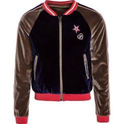 IKKS CITY COULEUR BLOCK Bluza rozpinana encre/grenadine. Brązowe bluzy dziewczęce rozpinane marki IKKS, z elastanu. W wyprzedaży za 272,35 zł.