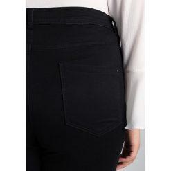 Dorothy Perkins Curve SCATTER GEM Jeansy Slim Fit black. Czarne jeansy damskie Dorothy Perkins Curve, z bawełny. W wyprzedaży za 151,20 zł.