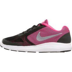 Nike Performance REVOLUTION 3 Obuwie do biegania treningowe black/metallic silver/hyper pink/white. Brązowe buty do biegania damskie marki N/A, w kolorowe wzory. W wyprzedaży za 132,30 zł.