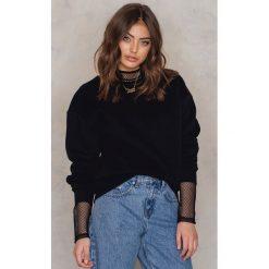 Bluzy rozpinane damskie: Vanessa Moe x NA-KD Bluza z okrągłym dekoltem crew neck - Black