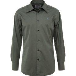 Vivienne Westwood Koszula biznesowa dark green. Zielone koszule męskie na spinki Vivienne Westwood, m, z bawełny. Za 849,00 zł.