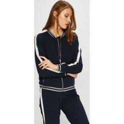 Jacqueline de Yong - Bluza. Czarne bluzy z kieszeniami damskie marki Only Play, l, z bawełny, bez kaptura. Za 149,90 zł.