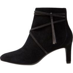 Clarks CALLA ASTER Ankle boot black. Czarne botki damskie skórzane Clarks. Za 469,00 zł.