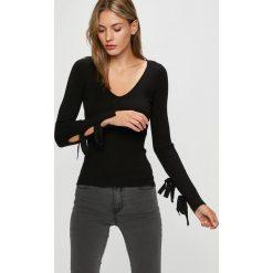 Guess Jeans - Sweter. Szare swetry klasyczne damskie Guess Jeans, m, z dzianiny. Za 369,90 zł.